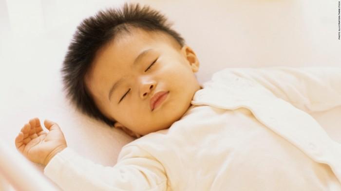 111017131813-baby-crib-sleeping-infant-super-tease